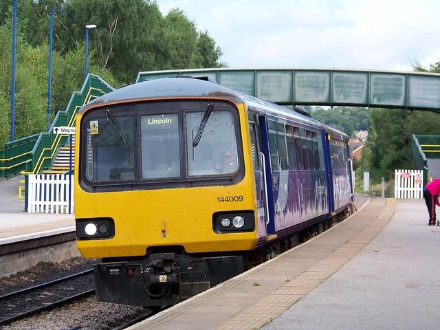 Northern Rail 144009