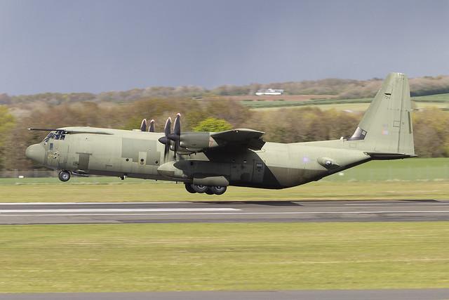 ZH875 C-130J-30 Hercules C4