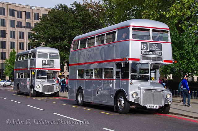Rare moment with two Silver Jubilee heritage livery Routemasters in service on route 15 at the Tower with Timebus RM1871, ALD 871B and First London RM1650, 650 DYE