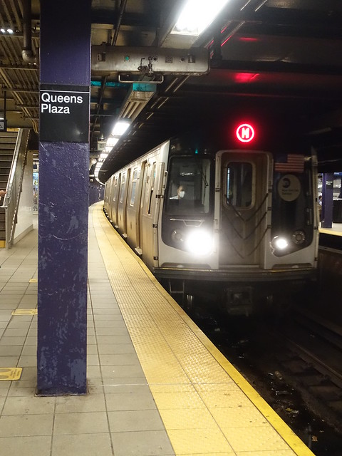 202105003 New York City subway station 'Queens Plaza'