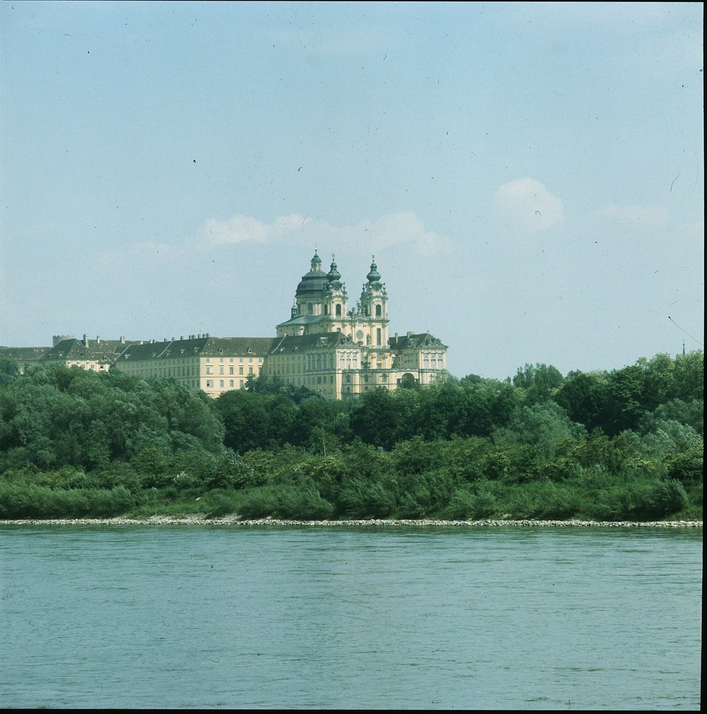 36. Бенедиктинское аббатство в Мельке, расположенном на реке Дунай, в Нижней Австрии