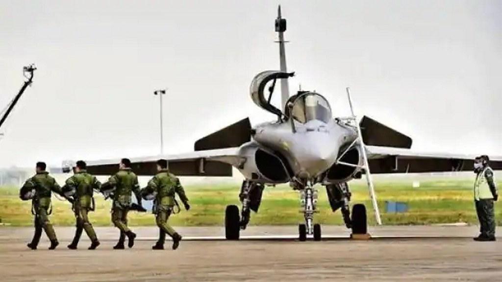 और ताकतवर हुई भारतीय वायु सेना, फ्रांस से तीन और राफेल भारत के लिए रवाना