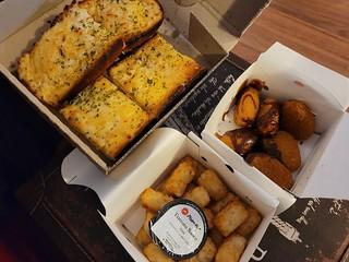 Cheezy Garlic Bread, Vegan Wings, Tater Tots from Pizza Hut