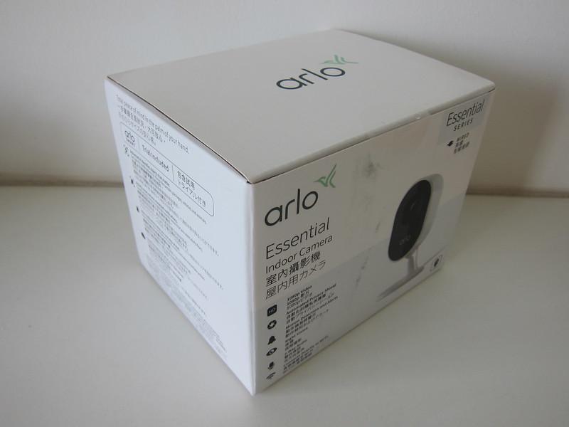 Arlo Essential Indoor Camera - Box
