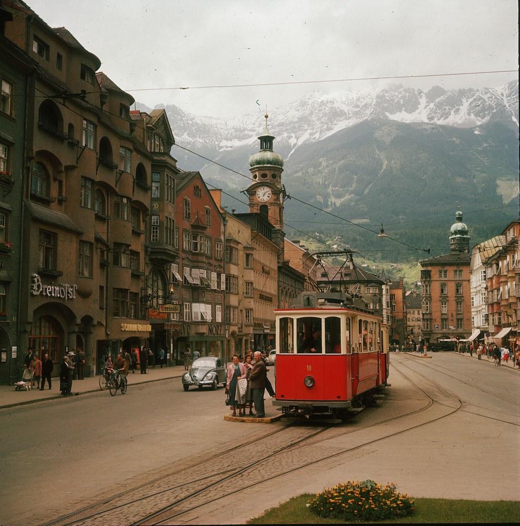 59. Трамвай на улице Мария-Терезиен-штрассе в Инсбруке