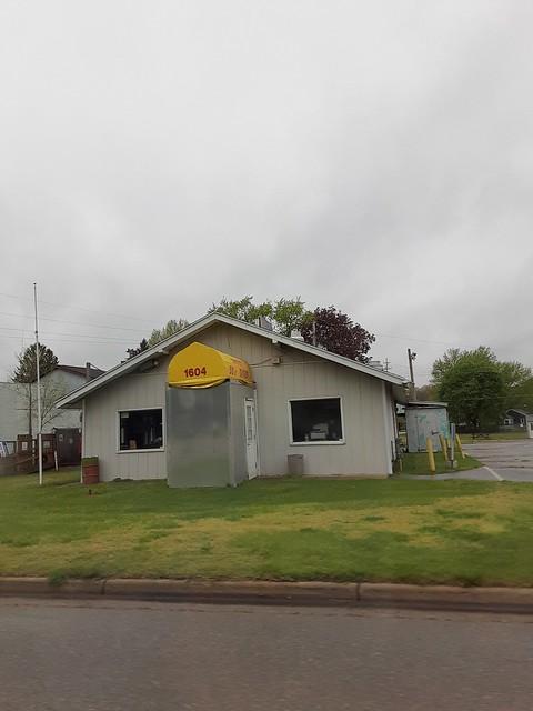 Deano's - Lincoln Road, Allegan [CLOSED]