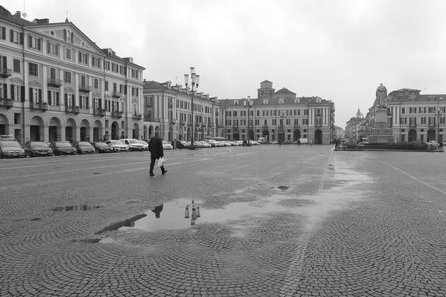 P1000798 - Cuneo - Piazza Galimberti dopo la pioggia - After the rain.