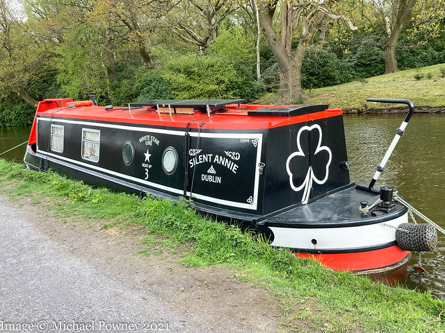 Silent Annie (53504) - on the Macclesfield Canal at Poynton