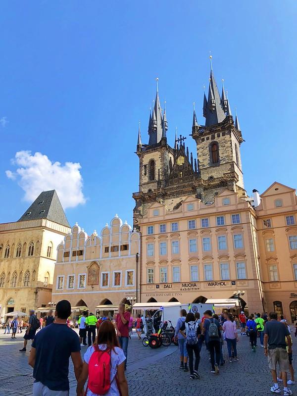 プラハ旧市街広場へ_12