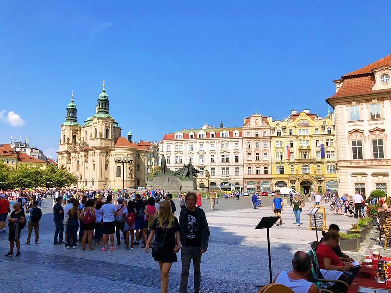 プラハ旧市街広場へ_11