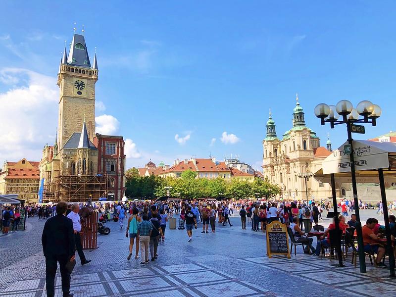 プラハ旧市街広場へ_10