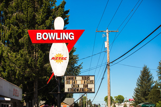 Aztec Bowling Machine