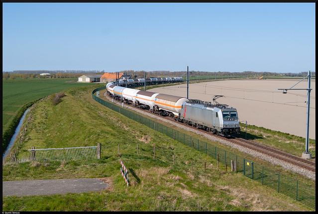 HSL 186 366 met gasketeltrein naar Sloe, 23 april 2021