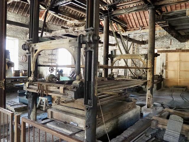 Scierie des dalles d'ardoise / Slate sawmill