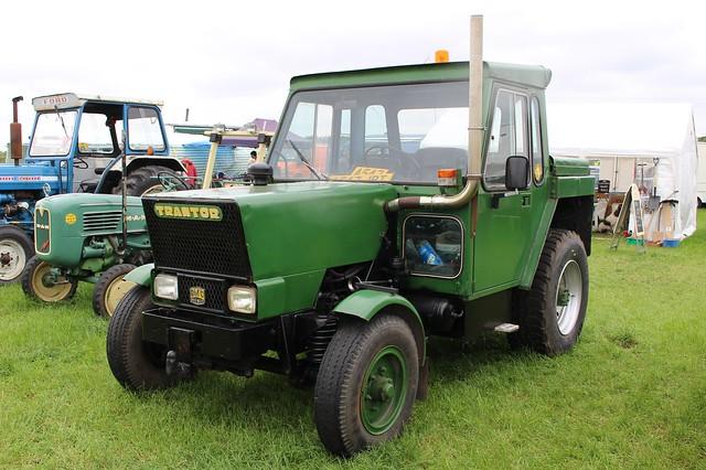 240 Trantor (Ser. 2) High Speed Tractor (1984) A 547 JRT