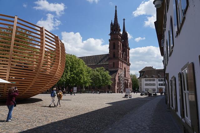 Basler Münster, Arena für einen Baum