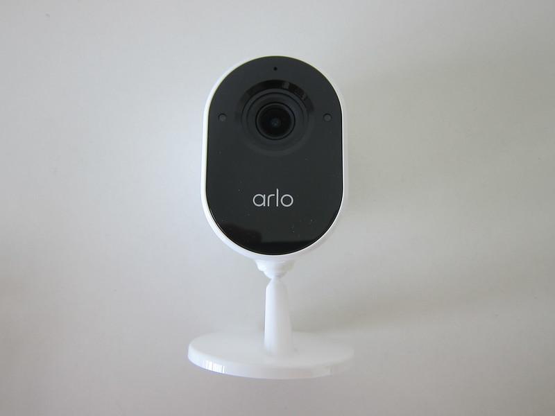 Arlo Essential Indoor Camera - Front