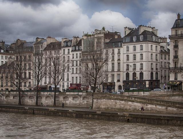 Rita Crane Photography: Paris Memories / Quai Des Grands Augustins in winter / La Promenade apres la pluie / La Seine
