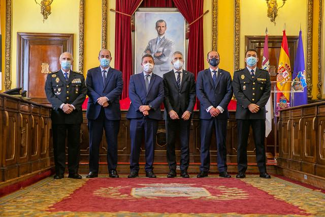 Protocolo entre el ministro del Interior y el ayuntamiento de Guadalajara para la reubicación de la base operativa del GEO