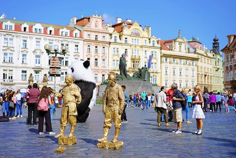 プラハ旧市街広場へ_09