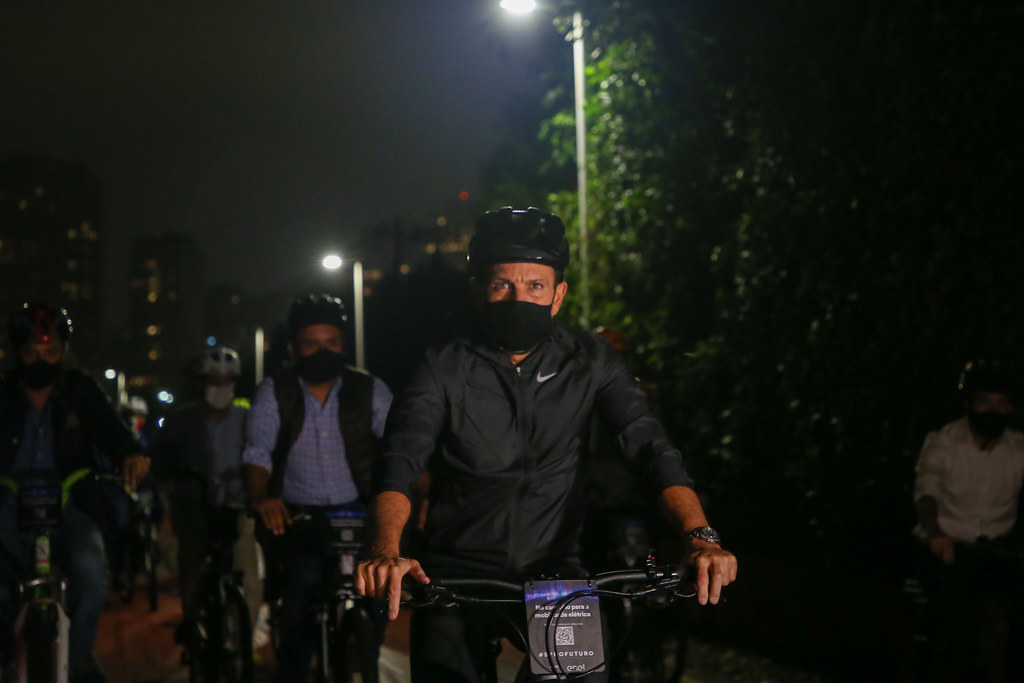 Entrega dos primeiros kms da Iluminação LED para a Ciclovia do Rio Pinheiros