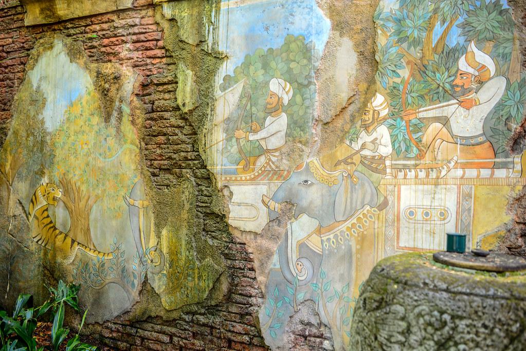 Maharajah Jungle Trek hunter mural AK
