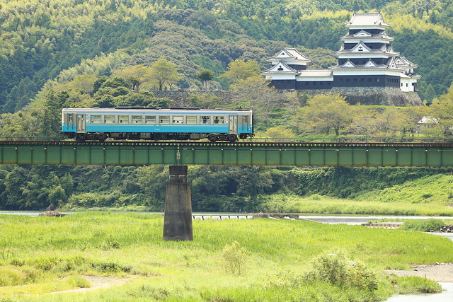Ozu castle and railcar