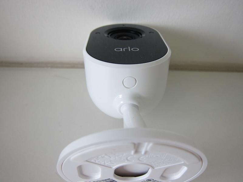 Arlo Essential Indoor Camera - Bottom
