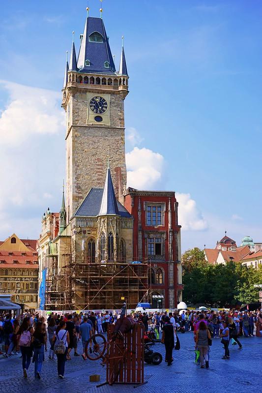プラハ旧市街広場へ_02