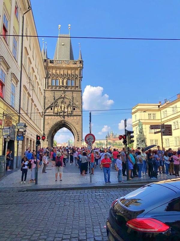 プラハ旧市街広場からカレル橋へ_02