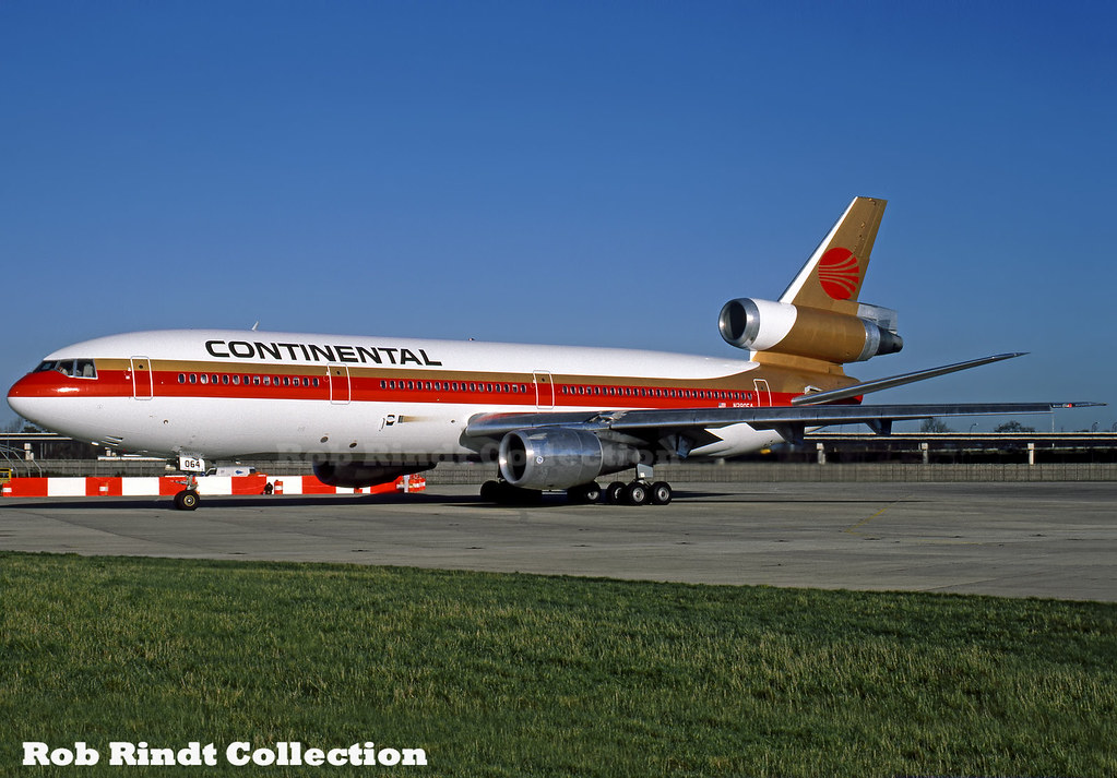Continental Airlines DC-10-30 N390EA