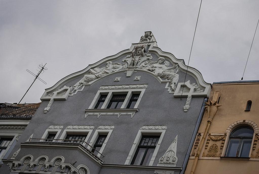 Skaista māja!!  15:06:48 DSC_1838