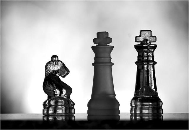 Schachfiguren aus Glas - Variation