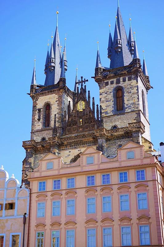 プラハ旧市街広場へ_07