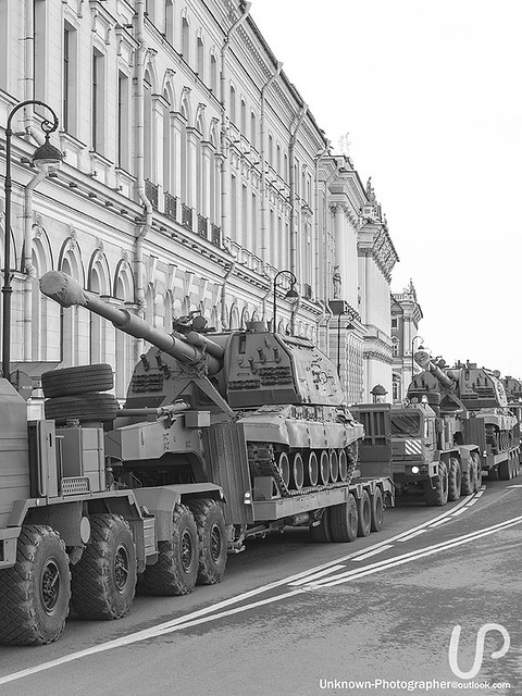 Tanks on Palace Embankment