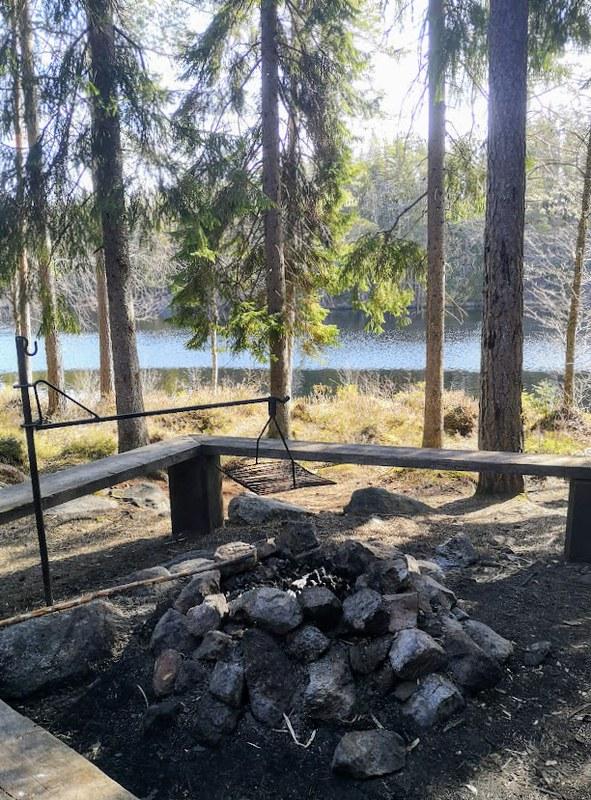 kalliojärvi laavu evo