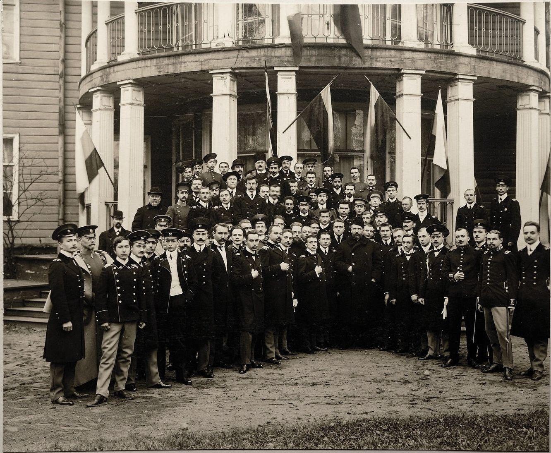 1910. Посещение П.А.Столыпиным собрания студентов-академистов в Лесном, близ СПб в октябре