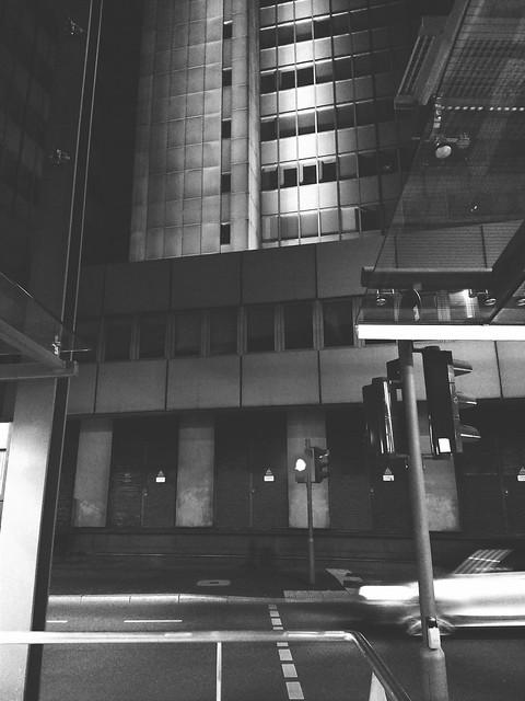 #zoom swoosh #city #urban #citylife #night #architecture #cityhall #street #lights #stadthaus #bonn #germany
