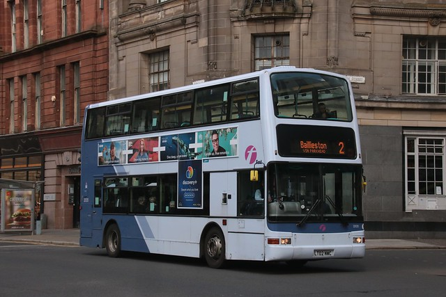 First Glasgow LT02 NWC (33120) | Route 2 | Glasgow Cross, City Centre