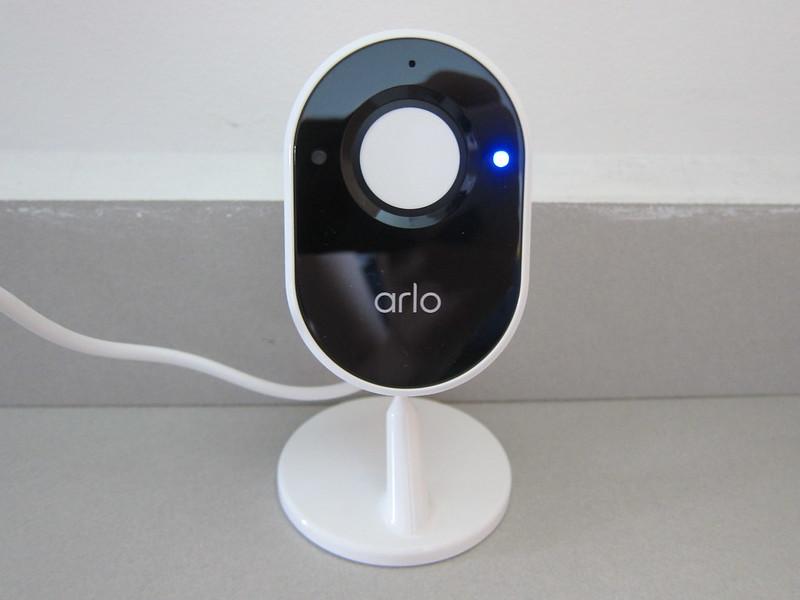 Arlo Essential Indoor Camera - Privacy Shield Close