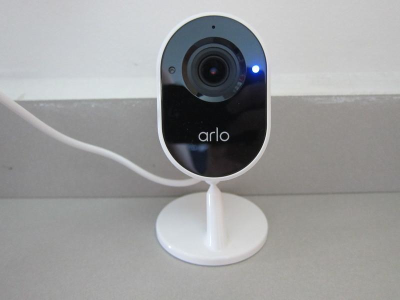 Arlo Essential Indoor Camera - Privacy Shield Open