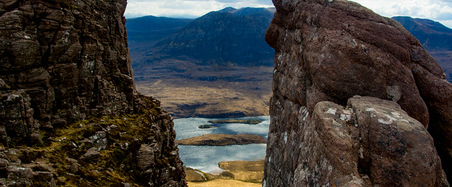 Lookng through the gap at the top  to Loch Lurgainn