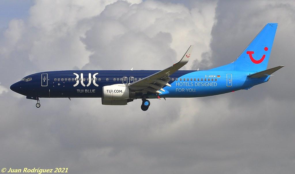 D-ABKM - TUI - Boeing 737-86J (WL) - PMI/LEPA