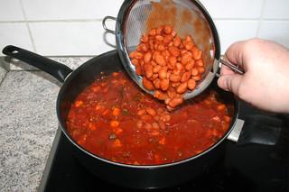 39 - Add chili beans / Chilibohnen hinzufügen