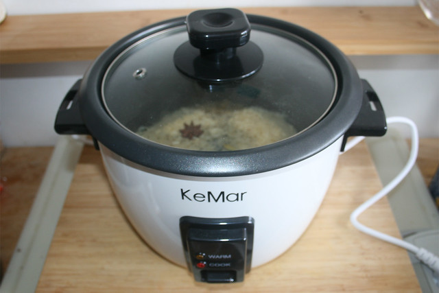 38 - Let rice cook / Reis gar kochen lassen