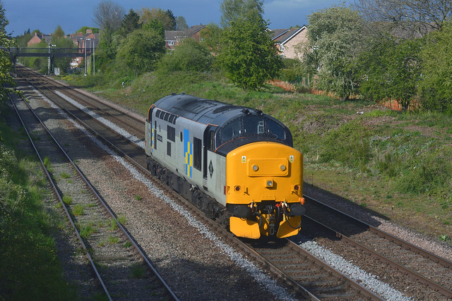 37688 at Kempseye with (0Z67) 1403 Bristol Temple Meads - Crewe CS  06052021