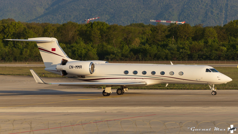 FRA: Avions VIP, Liaison & ECM - Page 25 51165397922_6913615aef_o_d