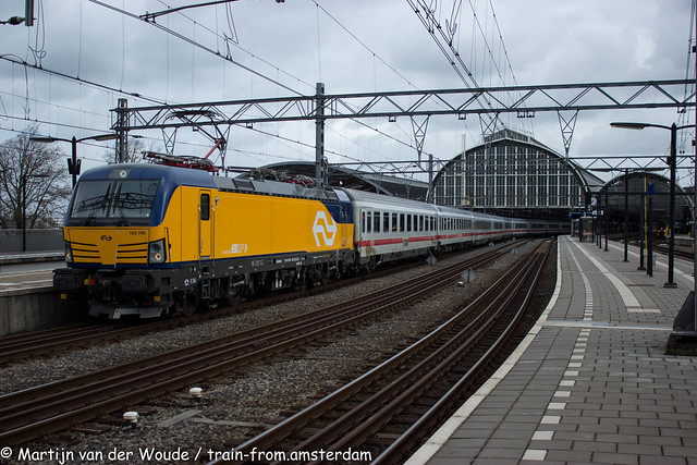 20210327_Amsterdam_Centraal_NS International 193 766 with IC 240