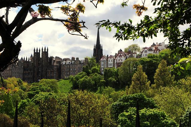 Edinburgh Awaits