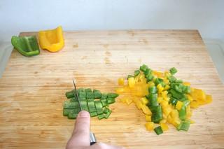 02 - Decore & dice bell pepper / Paprika entkernen & würfeln
